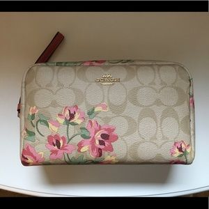 Coach Boxy Cosmetic Bag Lily Limited Edition
